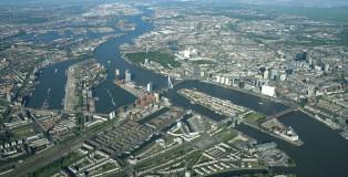 Vista dall'alto dell'area portuale di Rotterdam_1024
