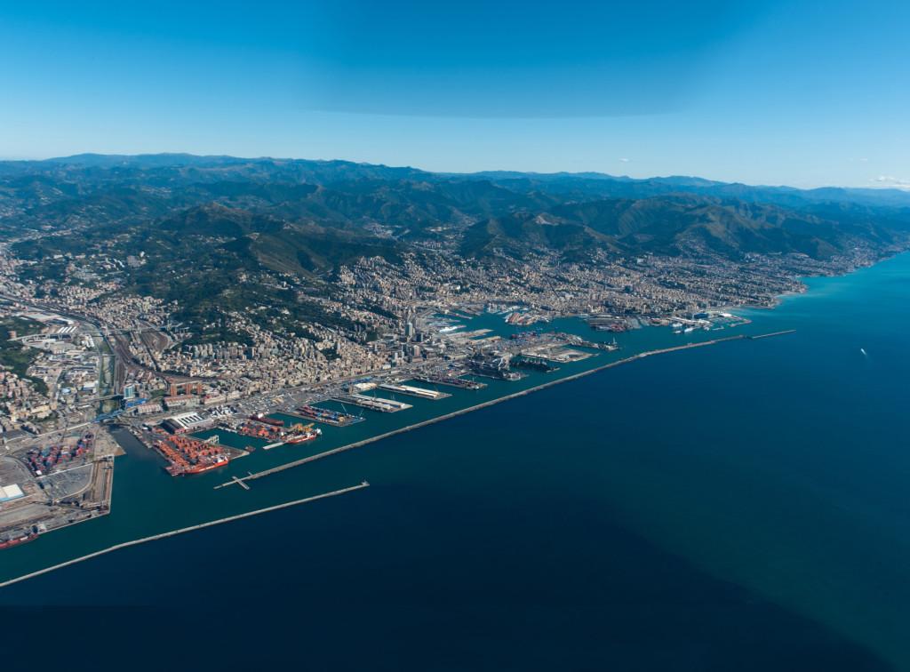 Genova_00_Panoramica porto