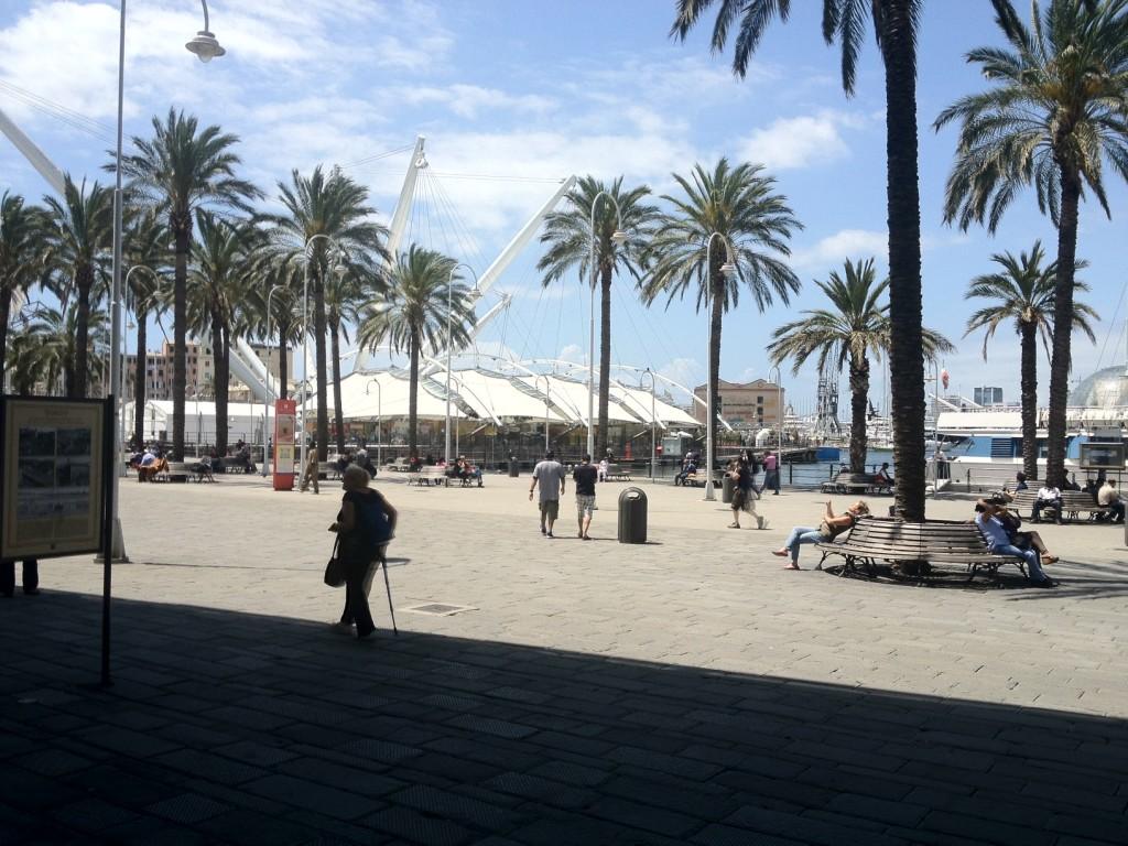 Genova_02_Porto Antico piazza sul mare