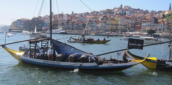 Douro_11_Barcos Rabelos frente à Ribeira_slider