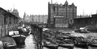 PORTUS-37-may-2019-REPORT-Schubert-Image_00_Warehouse-in-Hamburg-Port