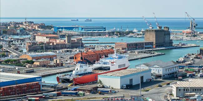 Image_00_Livorno panoramica area portuale-E