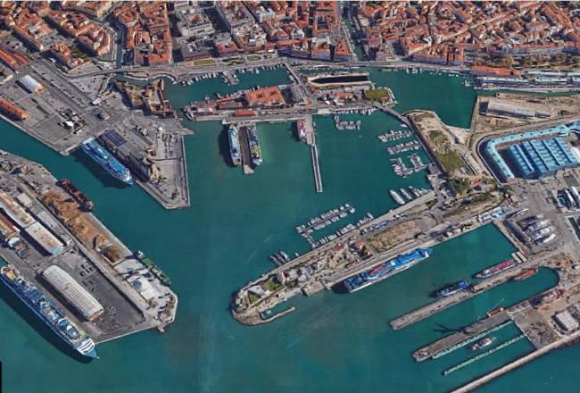 Image_00_Veduta aerea Porto Livorno-E