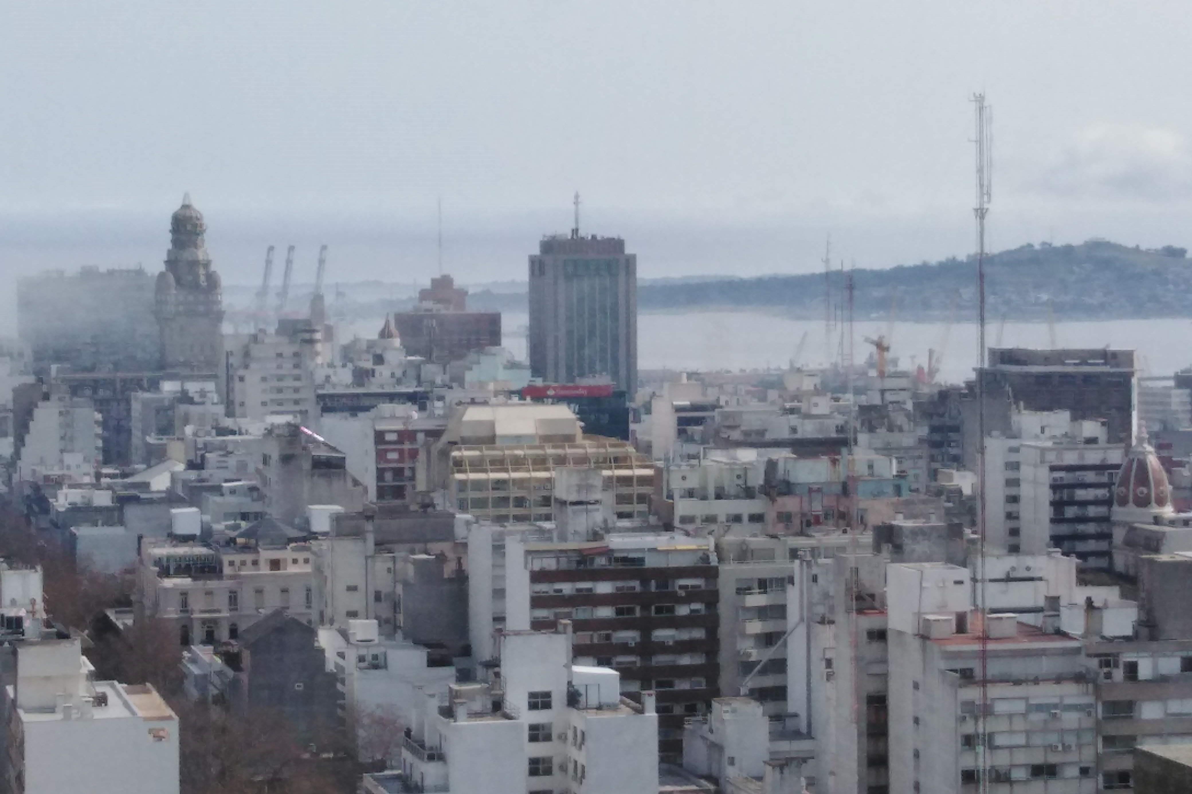 Image_00_Ciudad y Puerto Montevideo